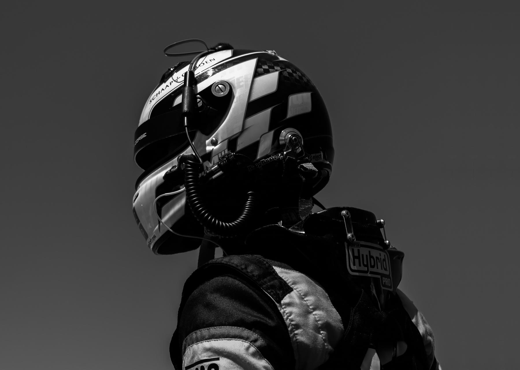 Foto autocoureur Jeroen Mul zwart-wit