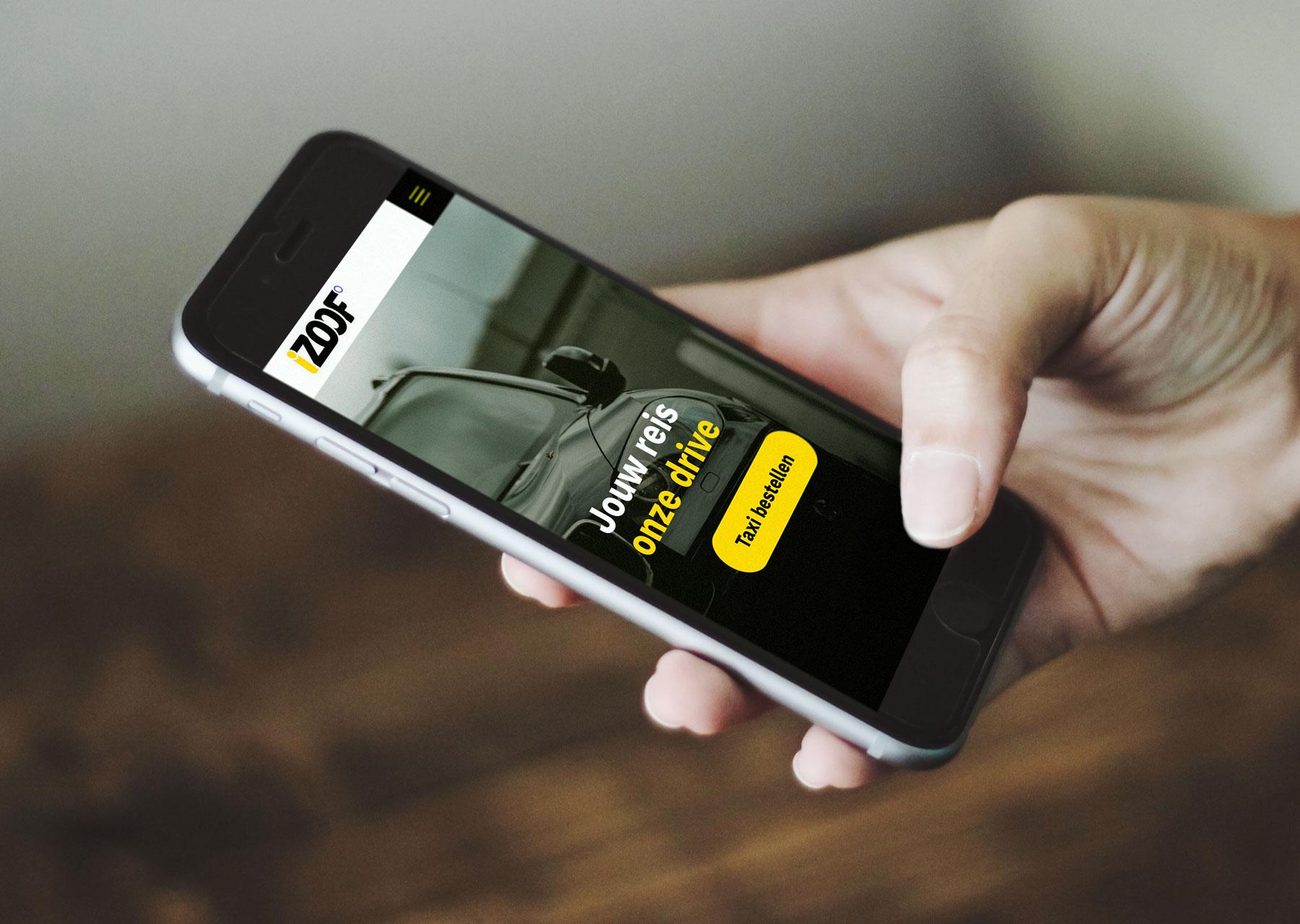 iZoof hand met mobiele website